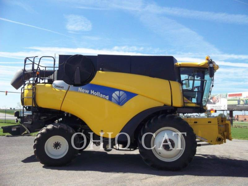 CASE/NEW HOLLAND COMBINES CR9040 equipment  photo 4