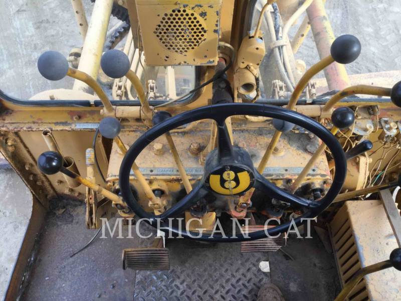 CATERPILLAR NIVELEUSES 120 equipment  photo 5