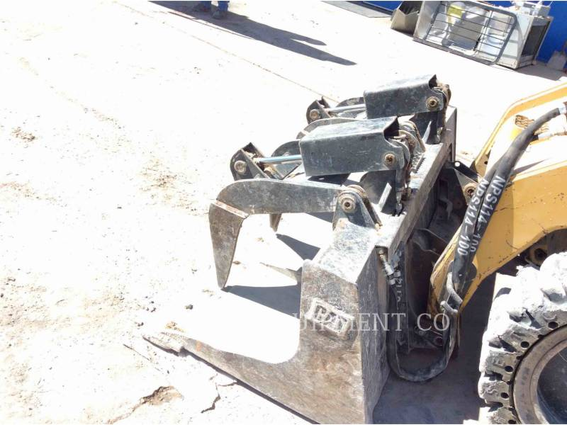 CATERPILLAR SKID STEER LOADERS 246C equipment  photo 13