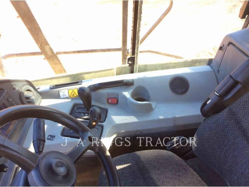 CATERPILLAR CAMIONES ARTICULADOS 740B equipment  photo 24