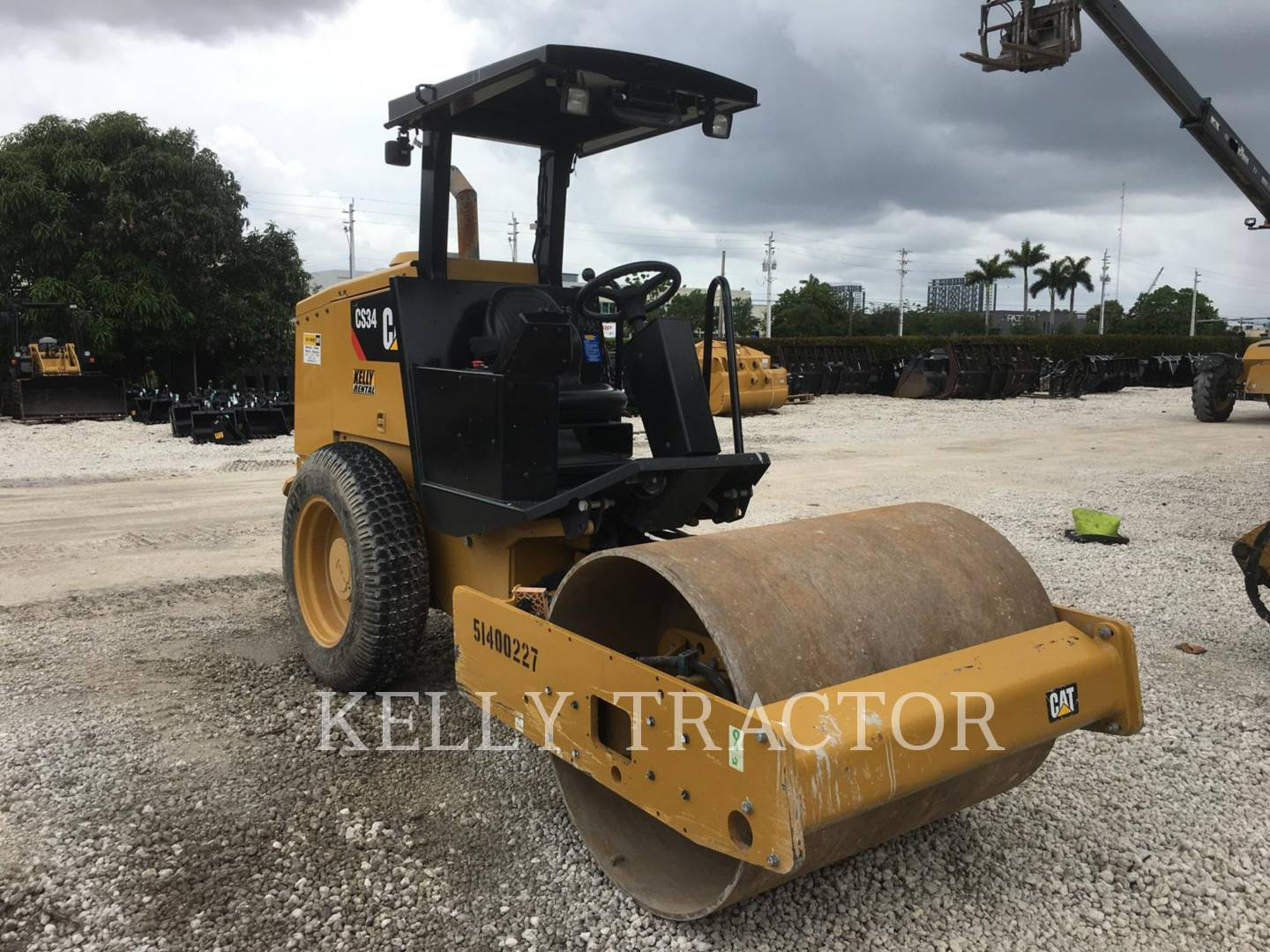 Detail photo of 2016 Caterpillar CS34 from Construction Equipment Guide