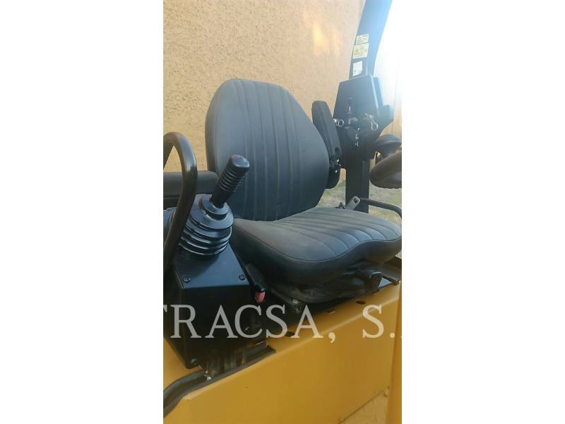 CATERPILLAR ROLO COMPACTADOR DE ASFALTO DUPLO TANDEM CB24 equipment  photo 7
