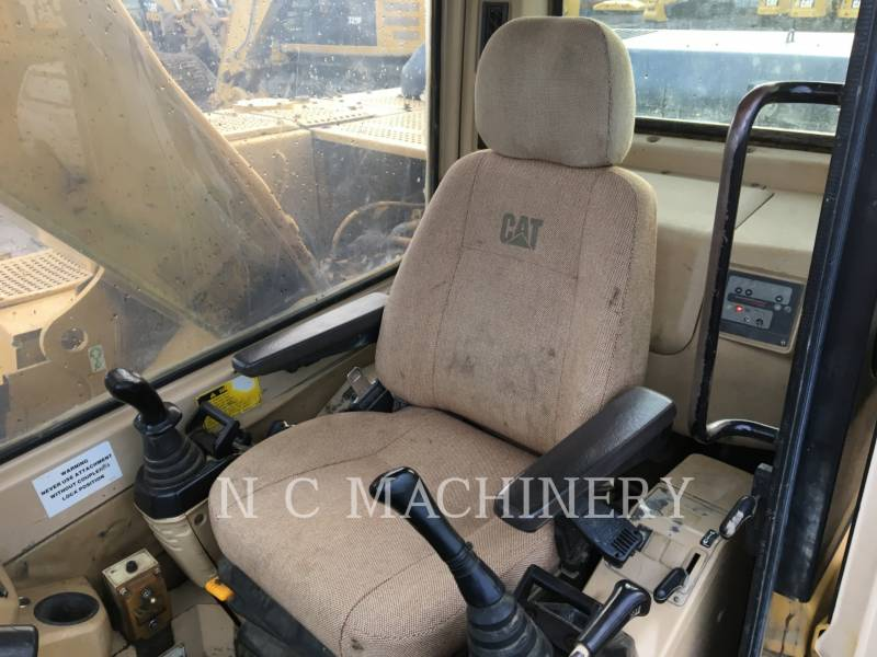 CATERPILLAR TRACK EXCAVATORS 320L equipment  photo 11