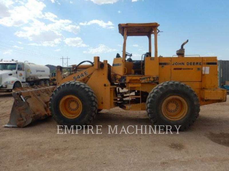 JOHN DEERE CARGADORES DE RUEDAS 544E equipment  photo 2