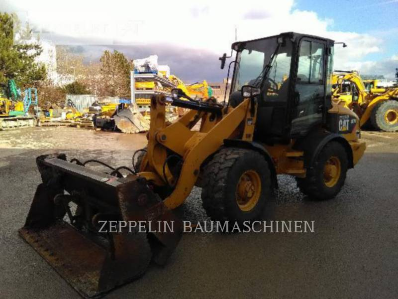 CATERPILLAR WHEEL LOADERS/INTEGRATED TOOLCARRIERS 907H equipment  photo 1