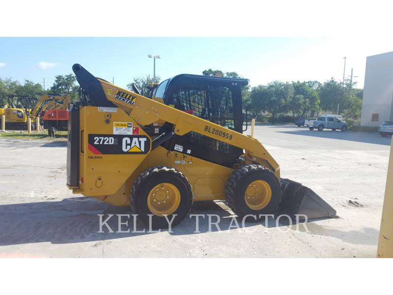 CATERPILLAR SKID STEER LOADERS 272D2 equipment  photo 2