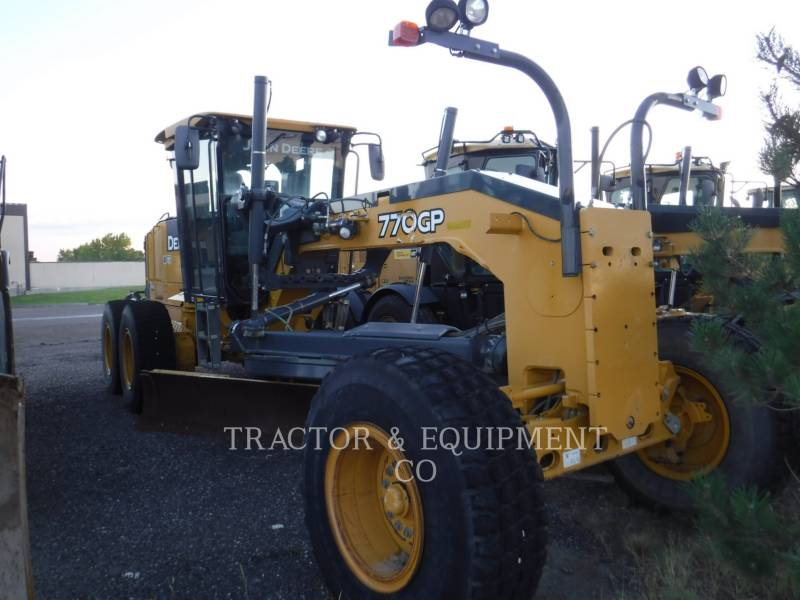 JOHN DEERE NIVELEUSES 770GP equipment  photo 1