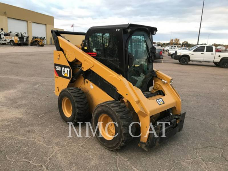 CATERPILLAR CHARGEURS COMPACTS RIGIDES 262D equipment  photo 4
