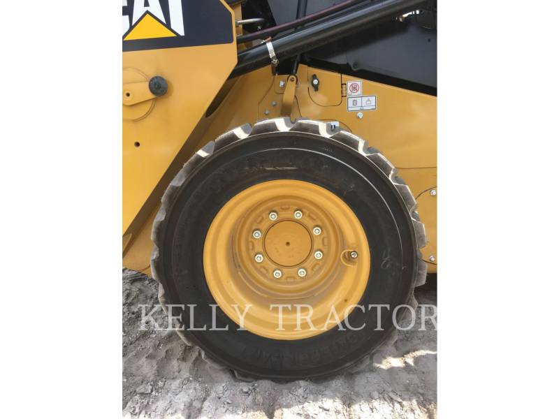 CATERPILLAR SKID STEER LOADERS 236 D equipment  photo 12