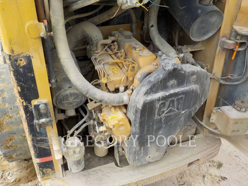 CATERPILLAR SKID STEER LOADERS 226 equipment  photo 15