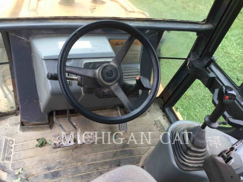 CASE BACKHOE LOADERS 580SL equipment  photo 7