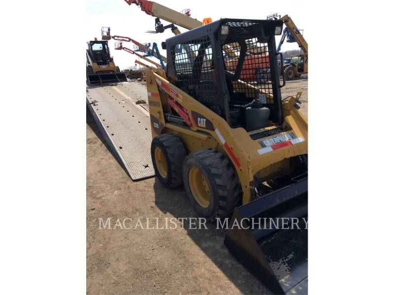 CATERPILLAR KOMPAKTLADER 226B3 equipment  photo 4
