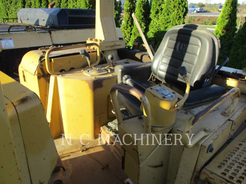 CATERPILLAR TRACTORES DE CADENAS D8N equipment  photo 3