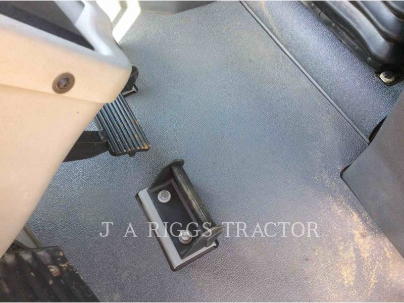 CATERPILLAR TRACK TYPE TRACTORS D6TLGP AG equipment  photo 20