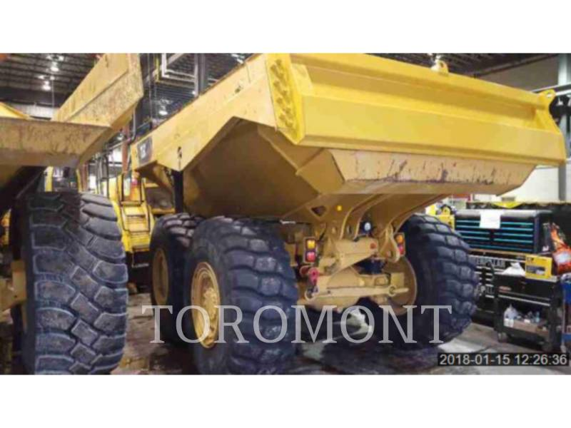 CATERPILLAR TOMBEREAUX DE CHANTIER 725C equipment  photo 2