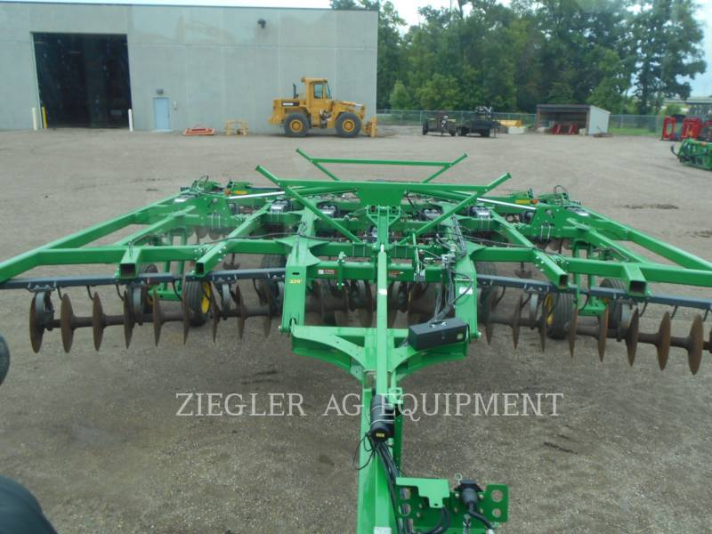 DEERE & CO. AG TILLAGE EQUIPMENT 2720 equipment  photo 16
