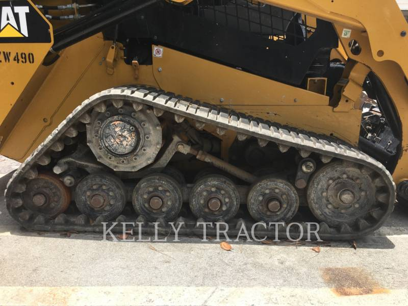 CATERPILLAR CHARGEURS TOUT TERRAIN 257D equipment  photo 9