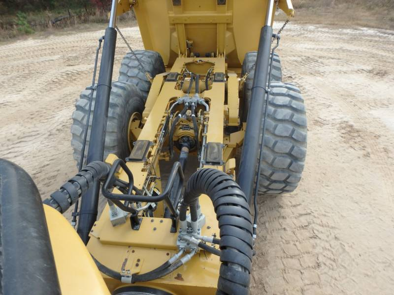 CATERPILLAR CAMINHÕES ARTICULADOS 745C equipment  photo 8
