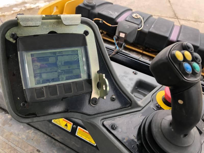CATERPILLAR VIBRATORY DOUBLE DRUM ASPHALT CB54B equipment  photo 22