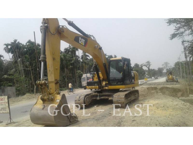 CATERPILLAR TRACK EXCAVATORS 320D2L equipment  photo 7