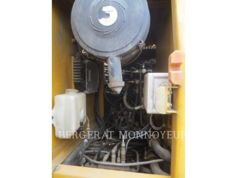 VOLVO CONSTRUCTION EQUIPMENT EXCAVADORAS DE CADENAS EC210BLC equipment  photo 11