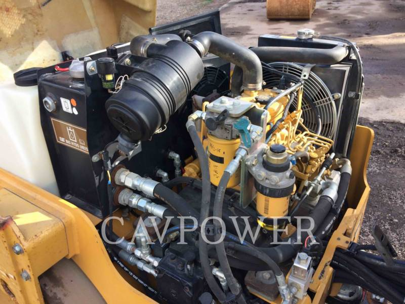 CATERPILLAR TAMBOR DOBLE VIBRATORIO ASFALTO CB24 equipment  photo 8