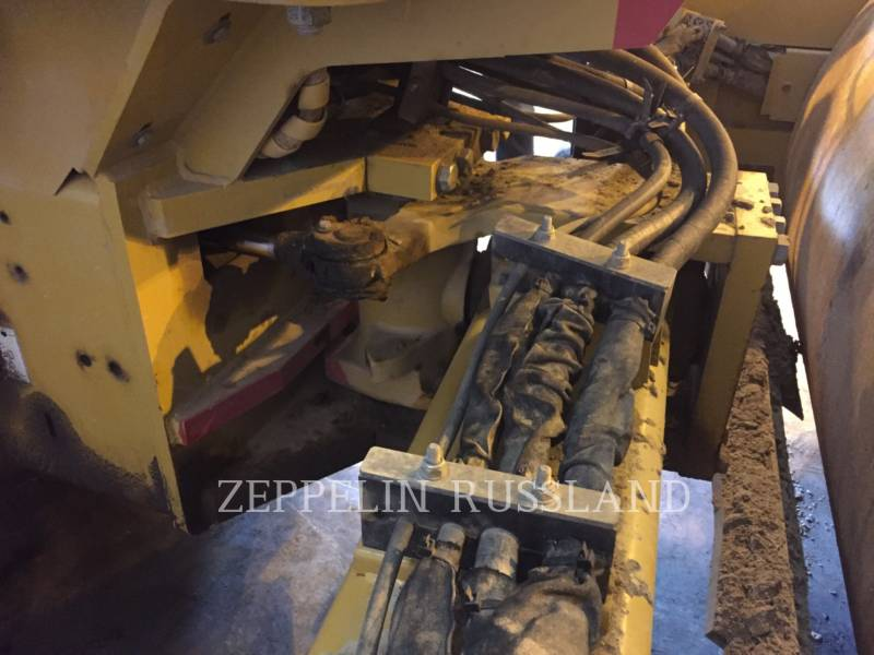 CATERPILLAR VIBRATORY SINGLE DRUM SMOOTH CS76 equipment  photo 10
