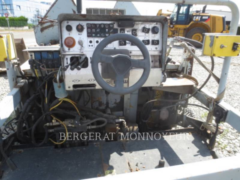 CATERPILLAR PAVIMENTADORA DE ASFALTO BB621C equipment  photo 14