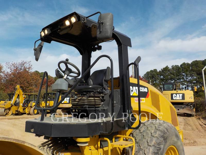 CATERPILLAR VIBRATORY SINGLE DRUM SMOOTH CS-54B equipment  photo 2