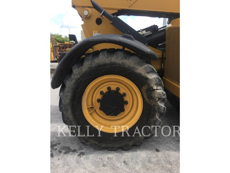 CATERPILLAR CHARGEUR À BRAS TÉLESCOPIQUE TL943C equipment  photo 12