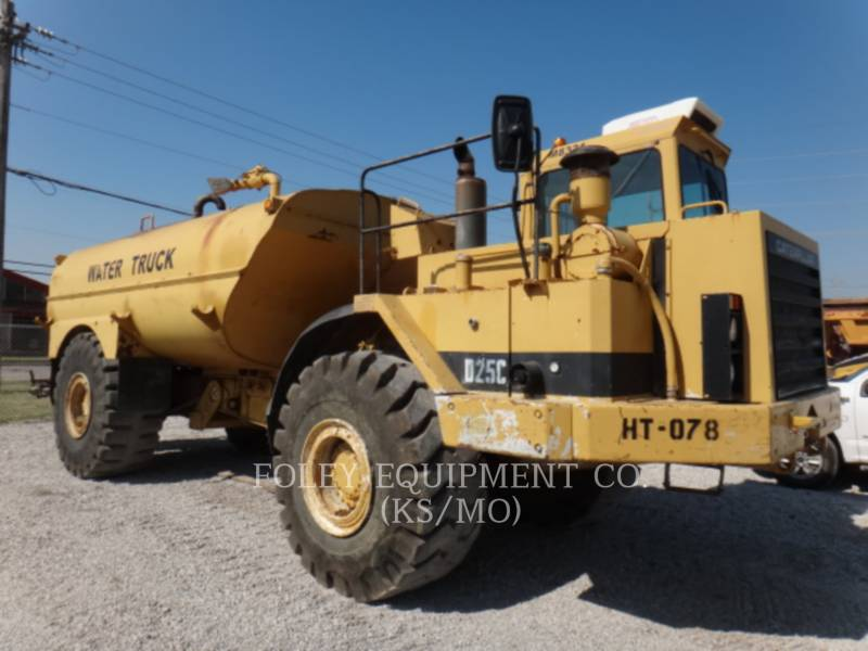 CATERPILLAR VAGONES DE AGUA D25C equipment  photo 2