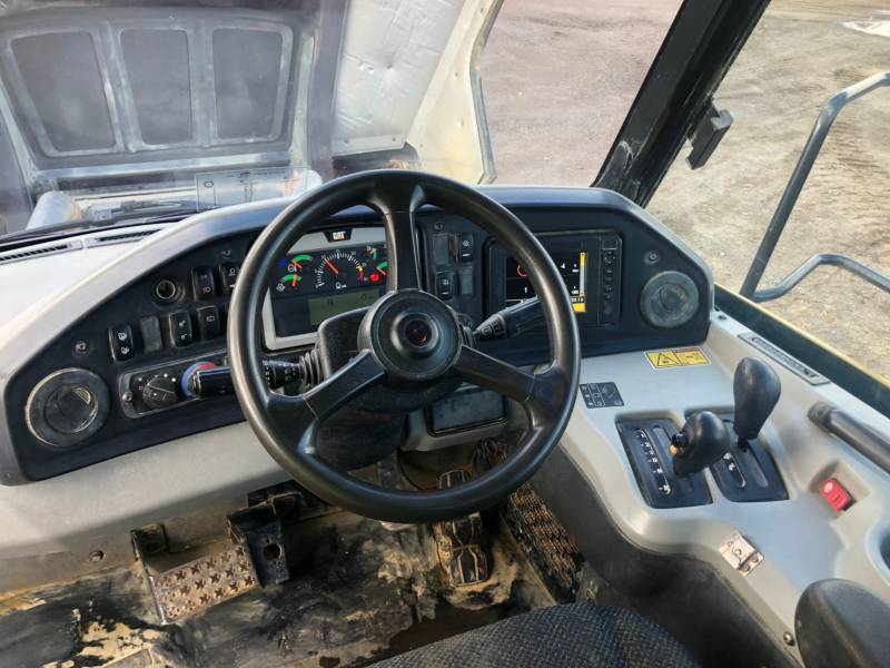 CATERPILLAR DUMPER ARTICOLATI 735 C equipment  photo 21