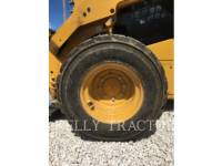 CATERPILLAR MINICARGADORAS 246D equipment  photo 9