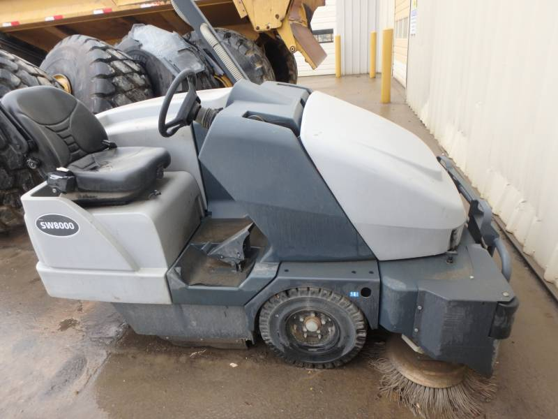 ADVANCE INDUSTRIAL SW8000 FLOOR SWEEPER equipment  photo 2