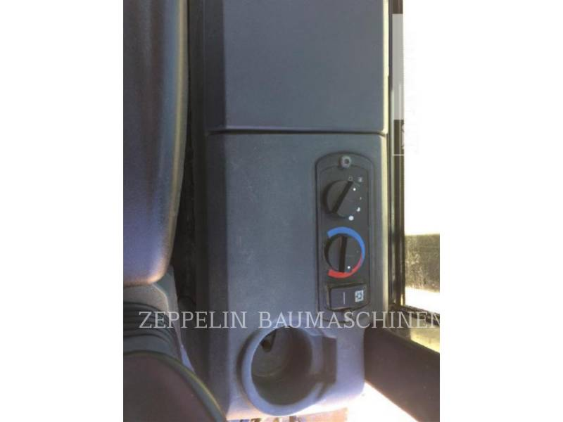 CATERPILLAR TRACK TYPE TRACTORS D5K2XL equipment  photo 23