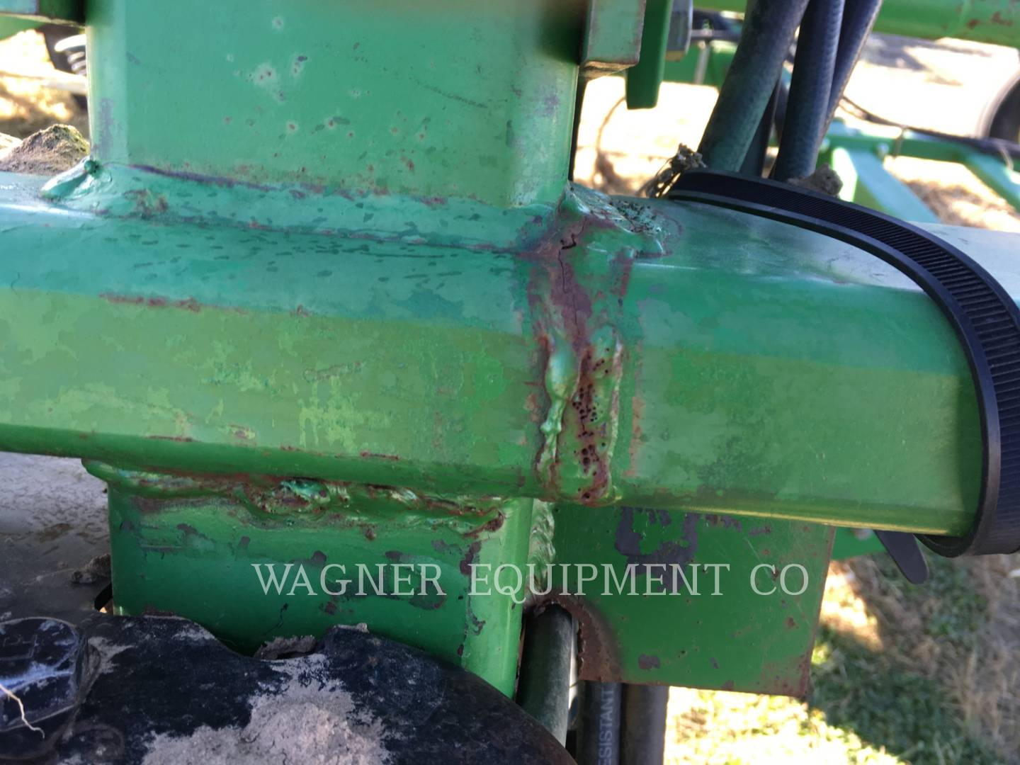 Detail photo of 2002 John Deere 2200 from Construction Equipment Guide