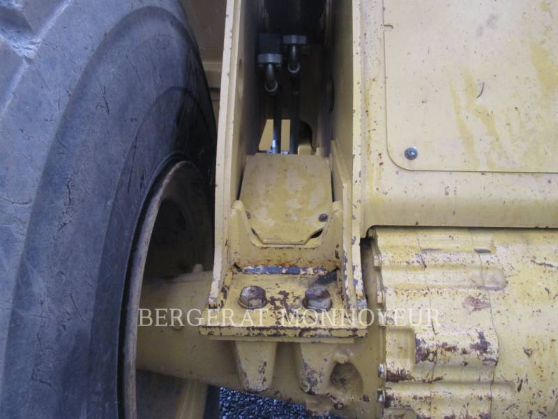 CATERPILLAR CHARGEURS SUR PNEUS/CHARGEURS INDUSTRIELS 966 M equipment  photo 19