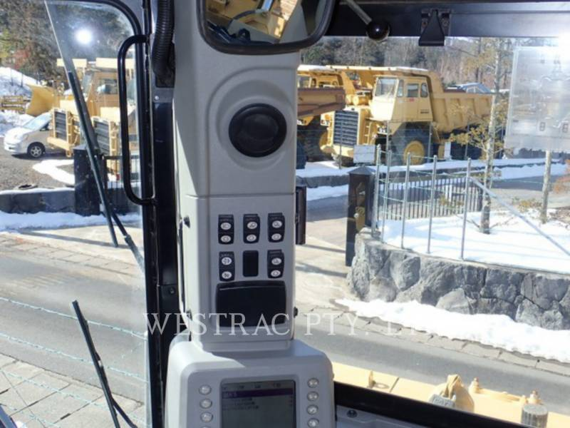 CATERPILLAR TRACK TYPE TRACTORS D8T equipment  photo 11