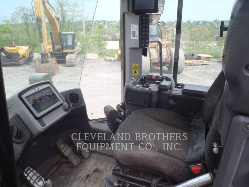 CATERPILLAR PALE GOMMATE/PALE GOMMATE MULTIUSO 980M equipment  photo 5