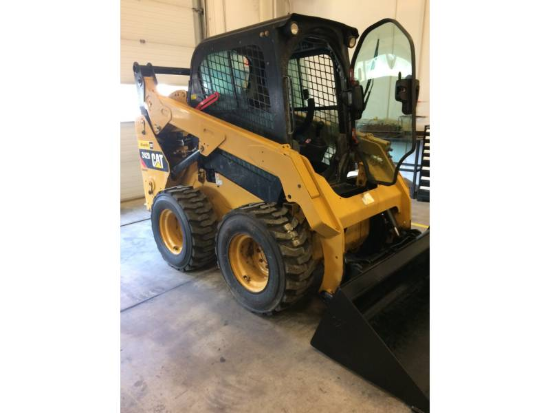 CATERPILLAR SKID STEER LOADERS 242DLRC equipment  photo 3