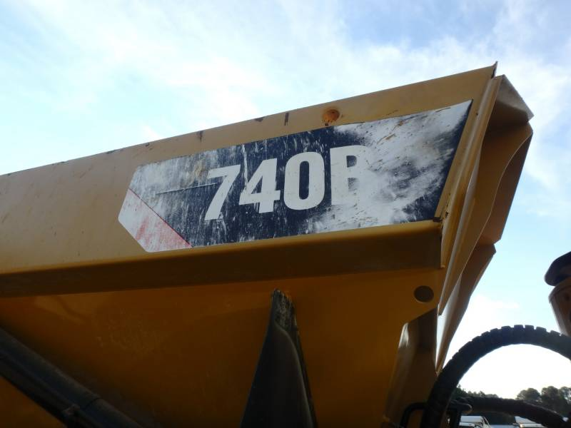 CATERPILLAR DUMPER ARTICOLATI 740B equipment  photo 23