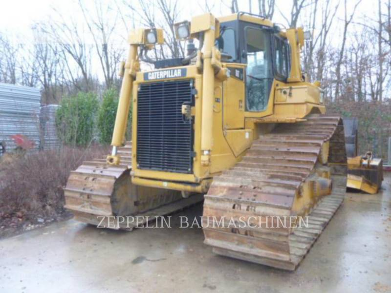 CATERPILLAR TRACTEURS SUR CHAINES D6TM equipment  photo 1