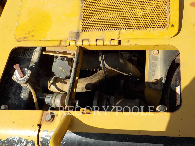 Detail photo of 2005 Caterpillar D5G XL from Construction Equipment Guide