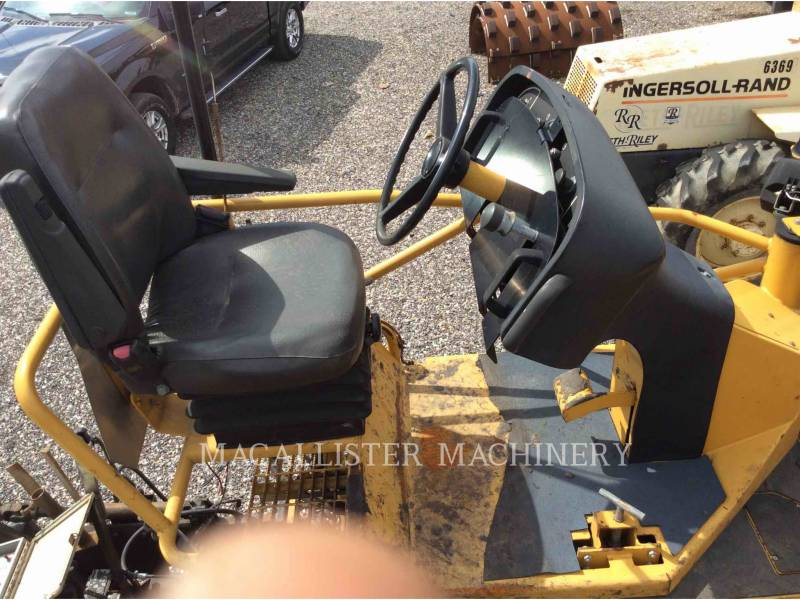 CATERPILLAR ASPHALT PAVERS AP-1055D equipment  photo 18