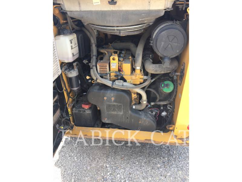 CATERPILLAR PALE COMPATTE SKID STEER 262D C3H2 equipment  photo 4