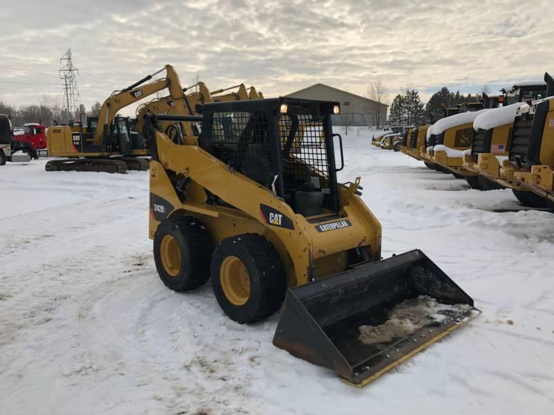 CATERPILLAR SKID STEER LOADERS 242B3 equipment  photo 7