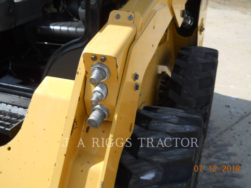 CATERPILLAR CHARGEURS COMPACTS RIGIDES 236D equipment  photo 17