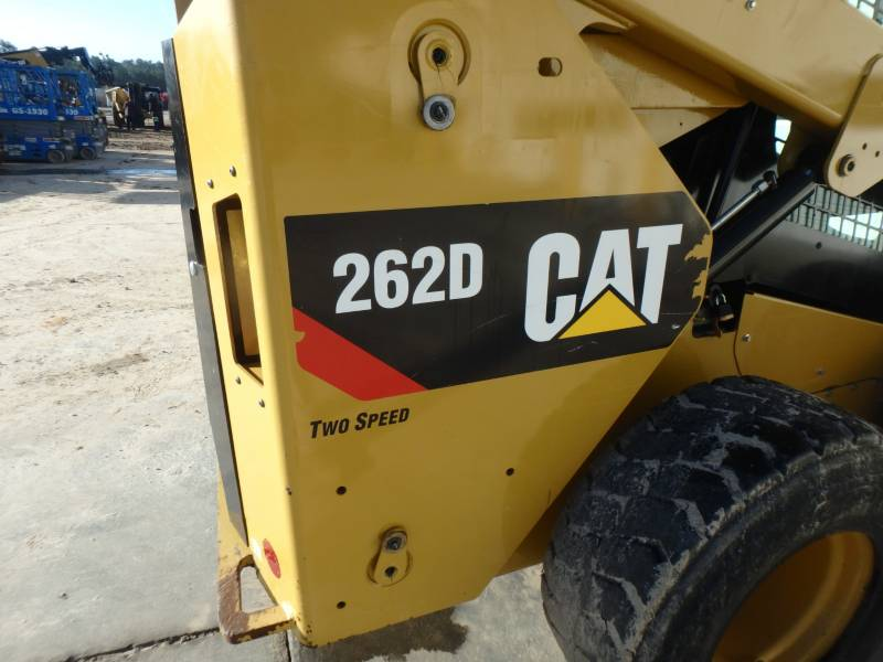 CATERPILLAR KOMPAKTLADER 262D equipment  photo 10