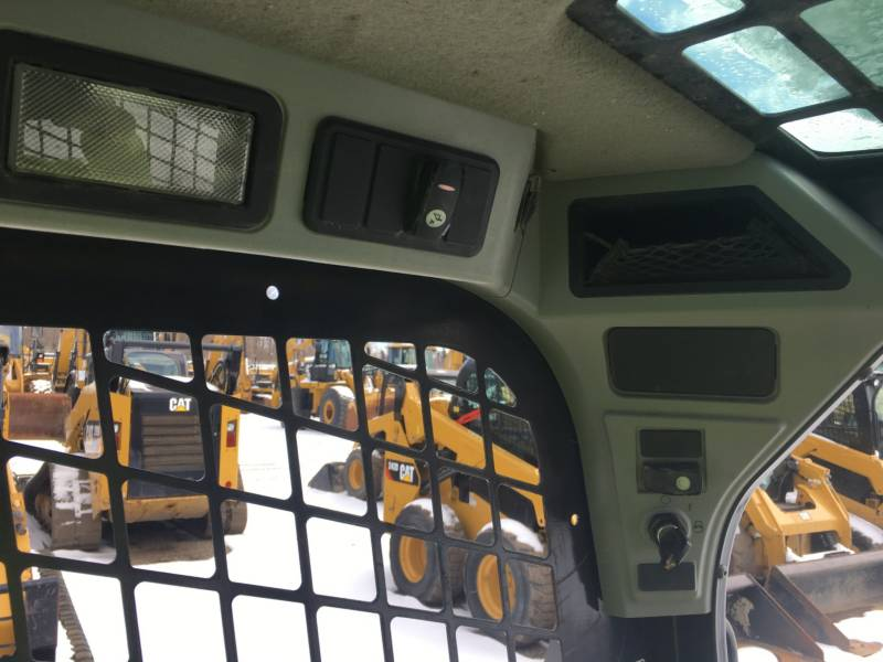 CATERPILLAR PALE COMPATTE SKID STEER 236D equipment  photo 21