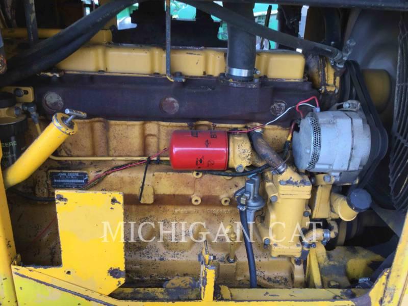 JOHN DEERE WIELLADERS/GEÏNTEGREERDE GEREEDSCHAPSDRAGERS 544C equipment  photo 8